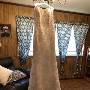 oleg cassini wedding dress size 8
